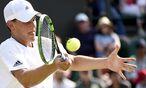 Harter Kampf: Österreichs Tennis-Aushängeschild Dominic Thiem verliert sein Zweitrunden-Match in Wimbledon. / Bild: (c) APA/EPA/FACUNDO ARRIZABALAGA