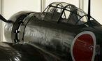 Modell eines bei Kamikaze-Angriffen eingesetzten Flugzeugtyps / Bild: Bloomberg