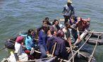 Symbolbild: Boot mit Flüchtlingen  / Bild: REUTERS