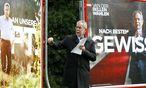 Van der Bellen bei der Präsentation neuer Plakate  / Bild: (c) Reuters