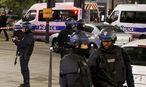 Einsatzkräfte beim Tatort in Paris / Bild: REUTERS