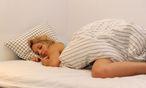 Die längere Dunkelheit im Winter ist ein Grund für das vermehrte Schlafbedürfnis. / Bild: (c) Clemens Fabry