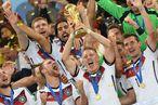FUSSBALL WM 2014, FINALE: Deutschland - Argentinien / Bild: (c) APA/EPA/ANDREAS GEBERT (ANDREAS GEBERT)