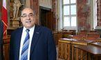 Helmut Mader ist unzufrieden mit seinen Parteikollegen. / Bild: Landtagsdirektion