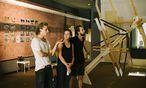 Diskutieren und sich gegenseitig inspirieren macht den Reiz einer Sommerakademie wie jener der bildenden Künste in Salzburg aus.  / Bild:  Internationale Sommerakademie für bildende Kunst Salzburg/Isabella Hager