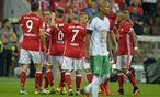 Des einen Freud, des anderen Leid - wie so oft im Sport. Bayern bejubelt den 6:0-Erfolg über Bremen. / Bild: GEPA pictures