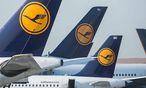 Lufthansa fühlt sich von Golf-Airlines bedroht. / Bild: APA/EPA/FRANK RUMPENHORST