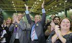 UKIP-Chef Nigel Farage freut sich über den Mandatsgewinn. / Bild: (c) REUTERS (SUZANNE PLUNKETT)