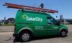 SolarCity-Auto unterwegs: Tesla baut einen integrierten Clean-Energy- Konzern auf. / Bild: REUTERS