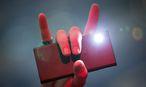 Selbst die Taschenlampenfunktion würde mit neuer Brennstoffzelle dem Smartphone nicht das letzte Fünkchen Akku rauben. / Bild: (c) APA/EPA/FRISO GENTSCH