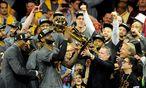 LeBron James und Cleveland sind am Ziel ihrer Träume angekommen: dem ersten Titel der Franchise-Historie der Cavaliers.  / Bild: (c) REUTERS (Gary A. Vasquez)