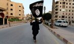 Archivbild: IS-Terrorist in Raqqa / Bild: REUTERS