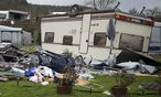 Ein vom Sturm schwer gezeichneter Campingplatz in Bad Karlshafen im deutschen Bundesland Hessen / Bild: APA/EPA/SWENPFOERTNER