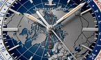 """Das Zifferblatt  der """"Geophysic  Universal Time""""  ist wunderschön, detailreich gestaltet, einfach und gut abzulesen. / Bild: (c) Beigestellt"""