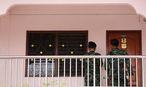 Schon am Samstag fand eine Razzia in einer Wohnung in Bangkok statt. / Bild: APA/EPA/NARONG SANGNAK