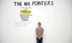 """Multitalent Rubinowitz bei seiner Ausstellung """"The Nul Pointers"""" im Leopold-Museum im Mai. / Bild: Die Presse"""