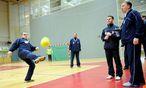Die Europameisterschaft in der Sporthalle St. Pölten begann am Dienstag mit dem feierlichen Einzug der 16 teilnehmenden Mannschaften. / Bild: Die Presse (Clemens Fabry)