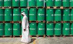 Die Welt schwimmt in billigem Erdöl – und daran wird sich so bald auch nichts ändern. Die Branche muss radikal Kosten kürzen. / Bild: (c) Bloomberg (Gabriela Maj)