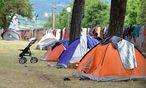 Das völlig überfüllte Flüchtlingsaufnahmezentrum in Traiskirchen. / Bild: APA/EINSATZDOKU.AT