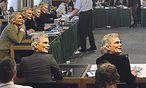 Der Albtraum des Bundeskanzlers: Wer nicht in den U-Ausschuss kommt, wird eben montiert. / Bild: (c) APA/HELMUT FOHRINGER/ Montage: Die Presse
