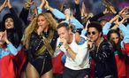 Beyonce mit Chris Martin und BRuno Mars / Bild: (c) GEPA pictures (GEPA pictures/ USA Today)