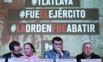 Menschenrechtsaktivisten präsentieren den Order, in dem der Tötungsbefehl schriftlich festgehalten worden sein soll / Bild: (c) REUTERS (EDGARD GARRIDO)