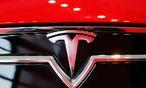 Tesla-Logo auf einem Model S  / Bild: REUTERS