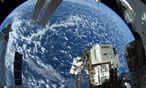 Spacewalk bei der ISS / Bild: APA/EPA/NASA / ALEXANDER GERST /