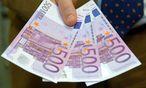 Bargeld (speziell der 500- Euro-Schein) ist ein Auslaufmodell. Das bringt E-Payment-Aktien in Schwung. / Bild: Clemens Fabry