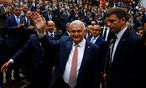 Yildrim weist Vorwürfe zurück, Erdogan mische sich in Regierungsgeschäfte ein. / Bild: REUTERS