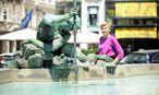 Maja Zuvela-Aloise prognostiziert Wien eine heiße Zukunft. Trotz des Wassers des Donnerbrunnens ist der Neue Markt einer von Wiens Hitzepolen. / Bild: Die Presse