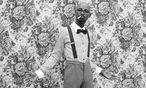 """Afrikabild. Der Fotograf Mário Macilau aus Mozambique fotografierte den """"Guy with Style"""". / Bild: (c) Beigestellt"""
