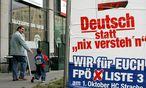 Rechtspopulisten projizieren Missstände immer auf bestimmte Personengruppen, bestätigen die Politikwissenschaftler. / Bild: (c) APA (Helmut Fohringer)