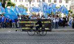 Junge Italiener fordern Gefängnisjobs. / Bild: REUTERS