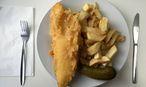 Fish and Chips – britischer geht es kaum. / Bild: REUTERS