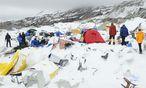 Nepal: Zahlreiche Österreicher nach Beben vermisst / Bild: APA/EPA/AZIM AFIF