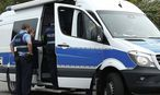 Symbolbild. Die deutsche Polizei ermittelt, hat aber noch keine Beweise für Rufe von Passanten in Richtung Flüchtling. / Bild: REUTERS
