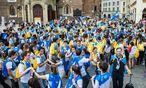 Schon am Dienstag feierten katholische Gläubige in Krakau. Papst Franziskus reist am Mittwoch zum Weltjugendtreffen in Polen an. / Bild: (c) imago/newspix (imago stock&people)
