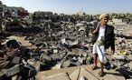 Saudi-Arabien fliegt seit letzter Woche Angriffe auf die von den Houthi-Milizen besetzte Hauptstadt Sanaa. / Bild: (c) APA/EPA/YAHYA ARHAB