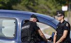 Symbolbild - In Frankreich ermittelt die Polizei, nachem ein 14-Jähriger aus Versehen seinen Zwillingsbruder erschossen hatte. / Bild: (c) APA/EPA/SEBASTIEN NOGIER
