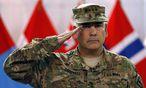 Isaf-Kommandant John Campbell verlässt mit seiner internationalen Truppe Afghanistan. Für die Taliban ein Eingeständnis der Niederlage. / Bild: (c) REUTERS