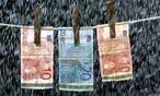 Branchenexperten sind konsterniert: Steuerhinterziehung könne man nicht mit erhöhter Geldwäsche-Compliance bekämpfen. / Bild: (c) BilderBox