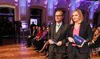 Das Moderatorenteam: ORF-Mann Paul Tesarek und Corinna Milborn (Puls 4) / Bild: ORF