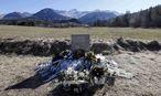 Das Denkmal für die Opfer des Absturzes der Germanwings-Maschine in Südfrankreich. / Bild: (c) REUTERS