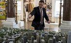 Begeistert vom Projekt der Superlative: Belgrads Bürgermeister Sinisa Mali. / Bild: (c) REUTERS (MARKO DJURICA)