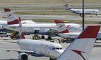 AUA fliegt wieder nach Plan / Bild: APA/HELMUT FOHRINGER
