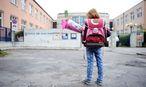 Schulkind mit Schultüte / Bild: Die Presse