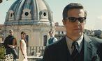 Hugh Grant spielt den britischen U.N.C.L.E.-Boss Waverly. / Bild: Warner Bros. Entertainment Inc