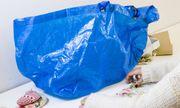 Blaue Ikea-Tasche / Bild: (c) imago/GlobalImagens (imago stock&people)