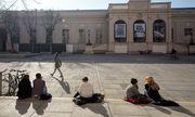 Sonne im Museumsquartier / Bild: APA/GEORG HOCHMUTH